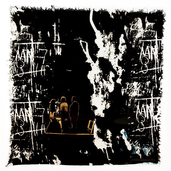 Textiltryck på linne av Josabet Werkmäster. Mörkt blå reaktivfärg. Konstnärerna Gunilla Petersson, Margareta Bergstrand och Sven Fristedt finns med på bilden, tryck med ets och övertryck.