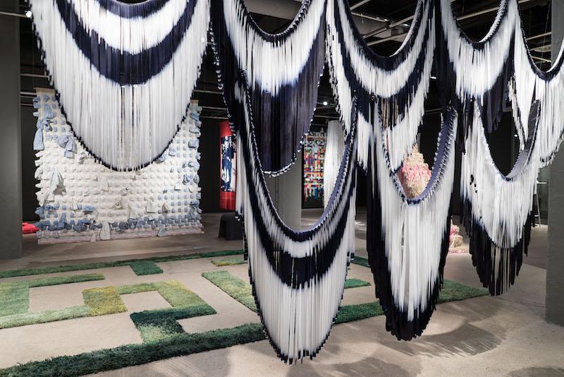 fotograf Jan Berg har tagit en bild från utställningen Everyday Matter på Textilmuseet